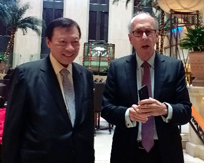 Dr Walter Kwok Ping-sheung and Professor Stephen Roach